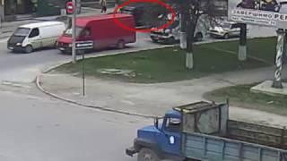 Сбили пешехода и столкновение грузовика с бусом.