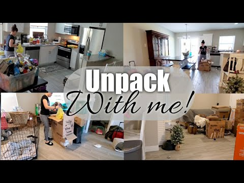 Moving Into Our New House / Unpack With Me !