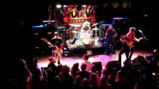 "Love/Hate performing ""Fuel To Run"" at the Knitting Factory on December 12th 2008 for Club Vodka"