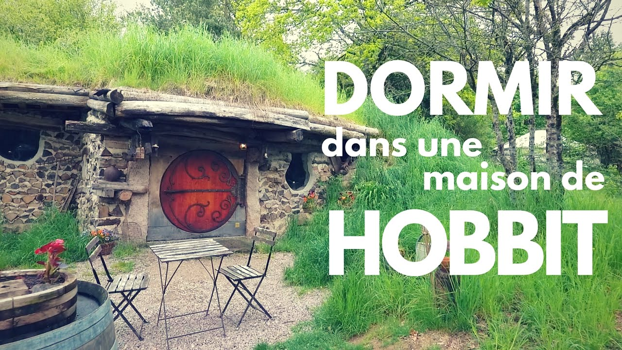 dormir dans une maison de hobbit h bergement insolite en bourgogne youtube. Black Bedroom Furniture Sets. Home Design Ideas