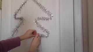 вариант, как украсить двери на новый год