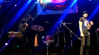 Stereo Total Wir Tanzen Im 4-Eck Live Guadalajara FIL 2011