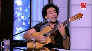 المطرب مصطفى شوقي يغني أغنية