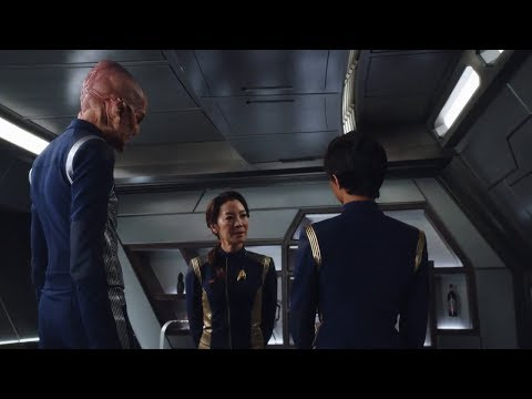 STAR TREK DISCOVERY - Michelle Yeoh Takes The Captain's Chair