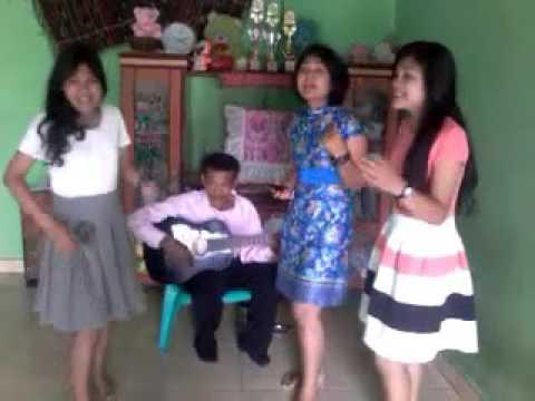 Trio Tanggang Dongani Ma Au (Batak Cover).mp4