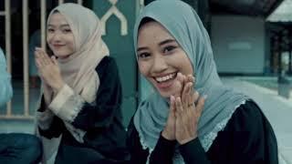 Download lagu Ustad Jefri Al Buchori - Selamat Hari Lebaran ( Cover Suryakanta Family )