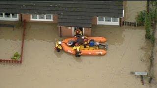 إجلاء مئات السكان في بلاد الغال بسبب الفيضانات
