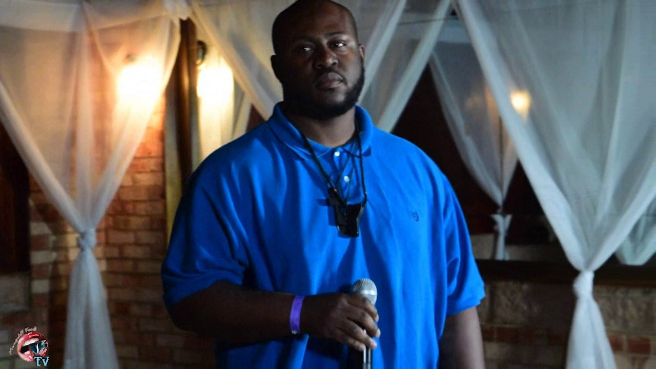 Smoove Smitty Roc Perfomance at Two Notch Bar and Grill