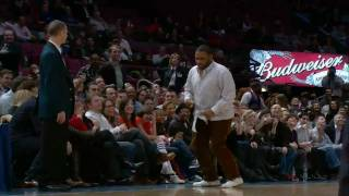 Anthony Anderson Shows His Dance Moves