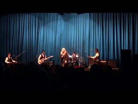 Patti Smith live - Land / Horses / Gloria (Them), main set, Rio Theater, Santa Cruz Jan. 2, 2016