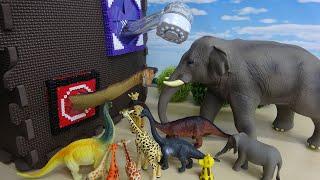 TVCMで話題!ミラブル シャワーヘッド買って遊んでみた 首の長い動物や恐竜たちと一緒にすぽすぽボックスでかくれんぼ