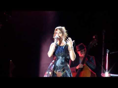 ZAZ Live full concert Barcelona HD - je veux - historia de un amor - paris - la fee