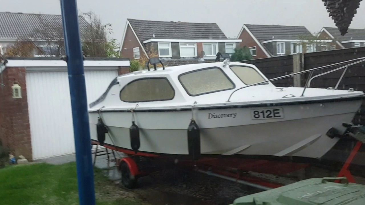 Boat fees on a small cabin cruiser youtube for Best small cabin boats