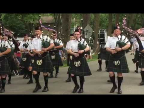 Warrenville Fourth of July Parade 2017 - Tunes of Glory Pipes and Drums