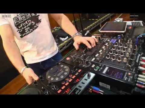 James Zabiela @ BBC DJ Techniques in 2012 by xepion