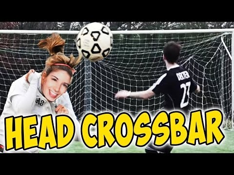 CROSSBAR CHALLENGE DI TESTA CON LA MIA RAGAZZA! (Head Crossbar challenge in vr)