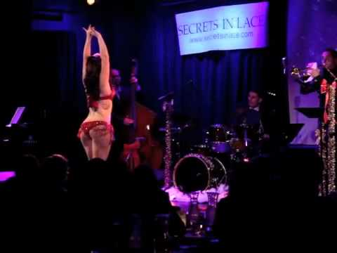 Angie Pontani & The Brian Newman Quintet Live - Santa Clause is Back in Town