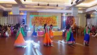 Navratri 2014 Performance - Shubharambh, Lahu Munh Lag Gaya & Nagada Sang Dhol