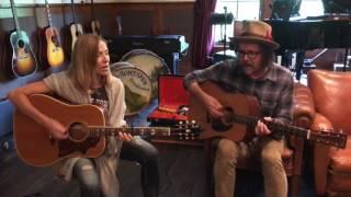 "Sheryl Crow & Jeff Trott - ""Long Way Back"" - Live Acoustic Duo (27-07-2017)"