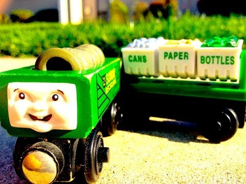 The Recycling Cars - A Thomas The Tank Engine & Friends Wooden Railway Toy Train Review