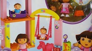 Es un parque infantil de guardería en el que Dora cuidará y se dive...