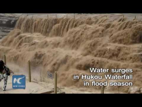 Amazing! Water surges in Hukou Waterfall on China's Yellow River