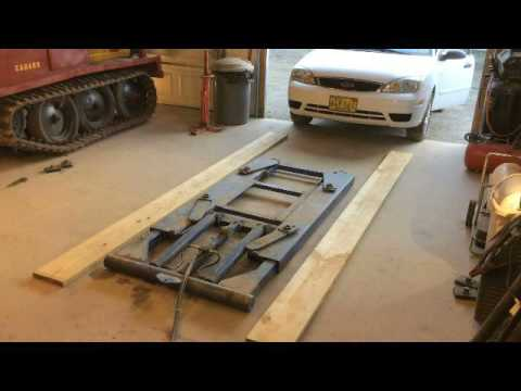 Harbor Freight 6000 Lb Capacity Scissor Lift With Small Car Youtube