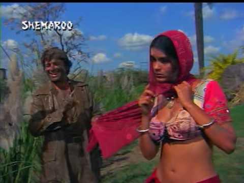 Zeenat aman boob show