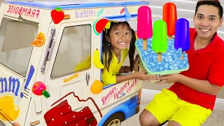 Wendy ICE CREAM and POPSICLES Truck | Camión de Helados | Kids Pretend Play Selling Ice Cream