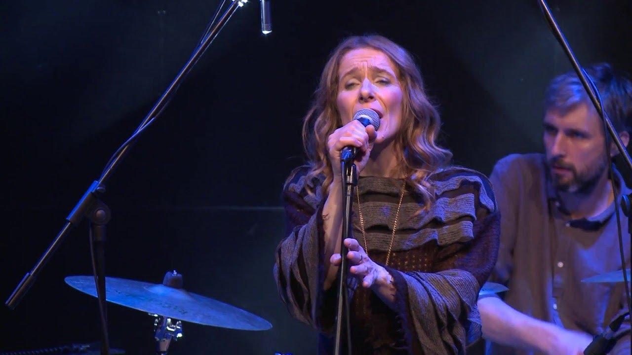 Nola feat. Veja - Vratio si me (Live)