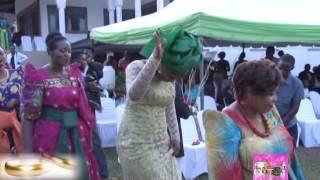 Emikolo n'embaga: Maama yabasibiridde entanda y'omukwano
