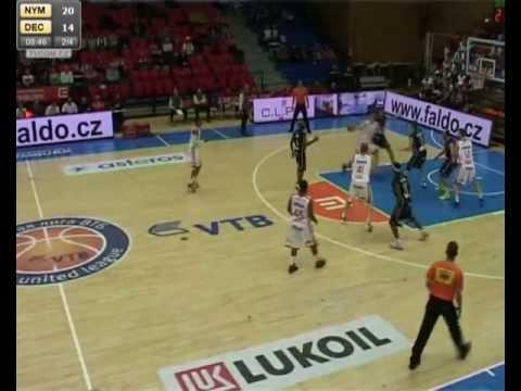 György Kinter #11 ( Dark Jersey) vs. CEZ Nymburk (1G Sports)