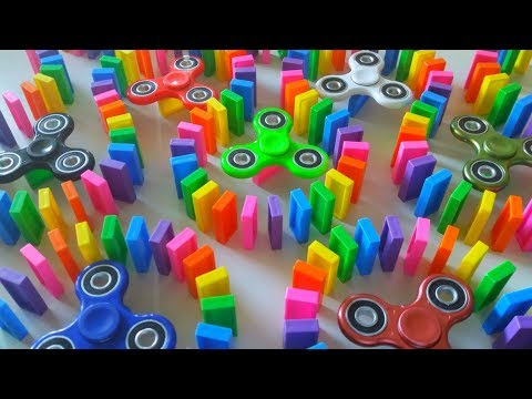 FIDGET SPINNERS VS DOMINOES