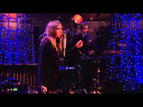 Lykke Li - Dance Dance Dance (MTV Unplugged)
