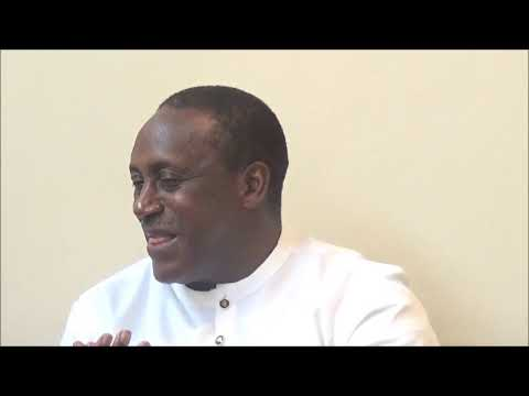Abdul Rashid Thomas speaks with Kandeh Yumkella