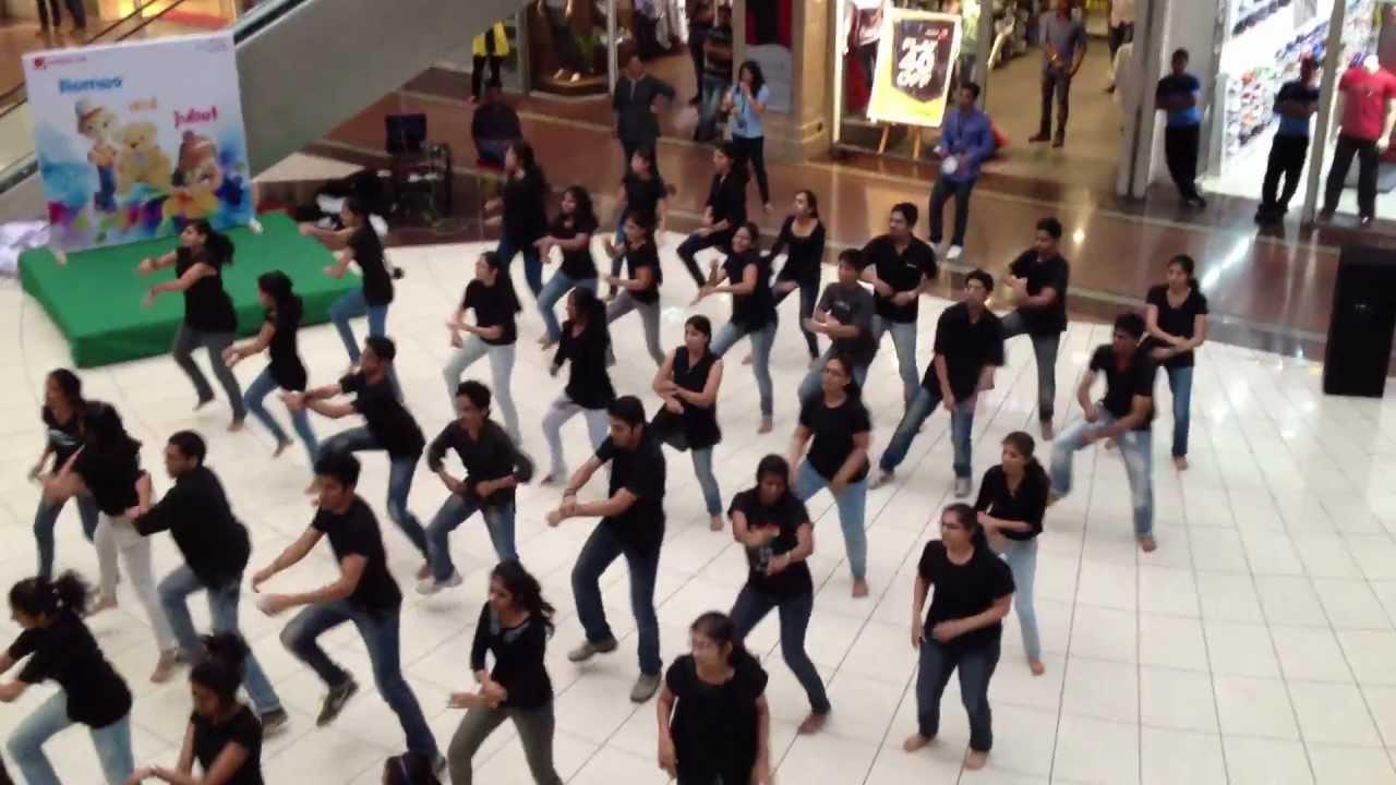 Fr  Agnels, Vashi Flash mob at center one mall