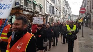 800 retraités en colère dans les rues de Pau