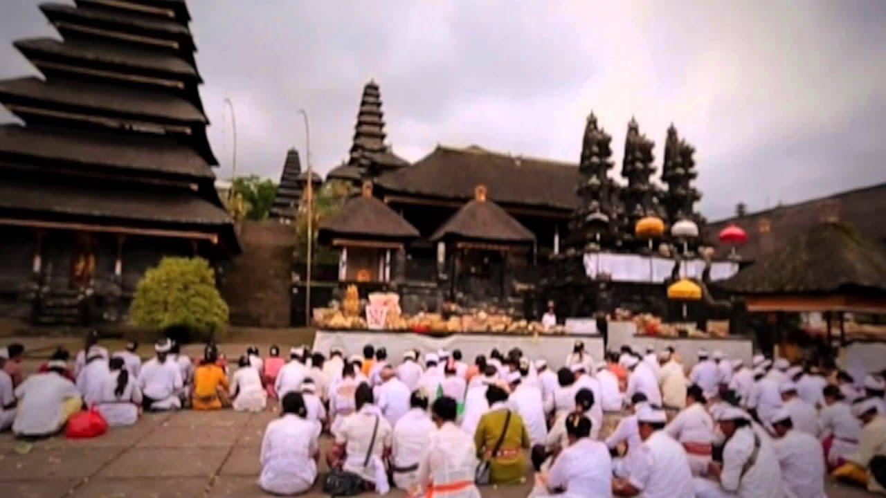 Contoh Teks Deskripsi Singkat Tentang Budaya Indonesia