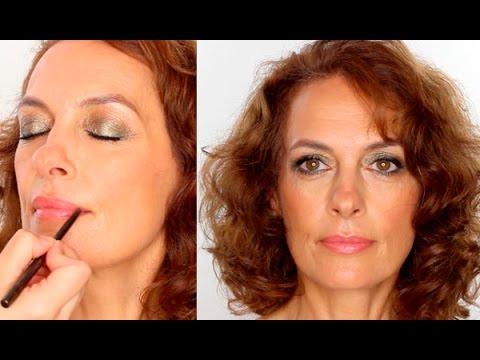 Eye makeup for mature women