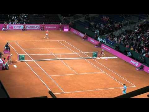 Sam Stosur vs. Stefanie Vögele at Fed Cup in Fribourg
