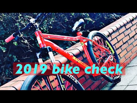 4ab42420301 MY Voodoo Hoodoo 2019 bike check💯 - YouTube