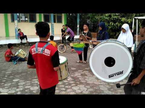 Cinta Gila (OST Anak Jalanan) Marching Band MTs Kedokanbunder