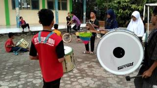 Video Cinta Gila (OST Anak Jalanan) Marching Band MTs Kedokanbunder download MP3, 3GP, MP4, WEBM, AVI, FLV Desember 2017