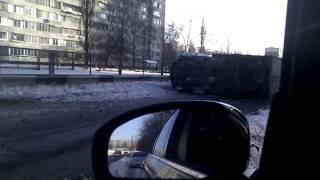 Машина перевернулась(Это видео загружено с телефона Android., 2012-02-17T20:15:57.000Z)