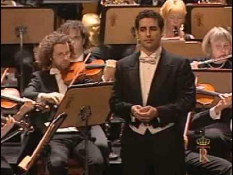 Juan Diego Florez sings A te, o cara-2006