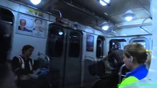 Metro w Petersburgu: linie 1, 2, 3 / Метро в Санкт-Петербурге, линии 1, 2, 3(PL: Przejazd od stacji Prospiekt Wietieranow do st. Wasilieostrowskaja o dwóch przesiadkach w centrum. Na filmiku nagrany został nowy pociąg 81-556