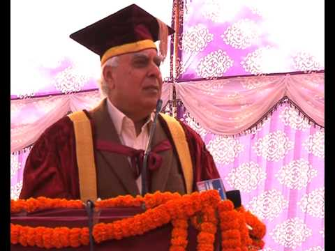 Kapil Sibal attends convocation at Zakir Husain college