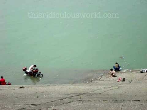 Yangtze Motorcycle Cleaning