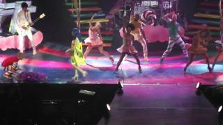 Katy Perry - Hot n Cold - Live in London O2 Arena , United Kingdom 14.10.2011 Full HD