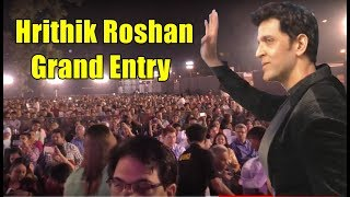 Inside Video: Hrithik Roshan Grand Entry At Roshan Se Roshan Tak | BollywoodKilla